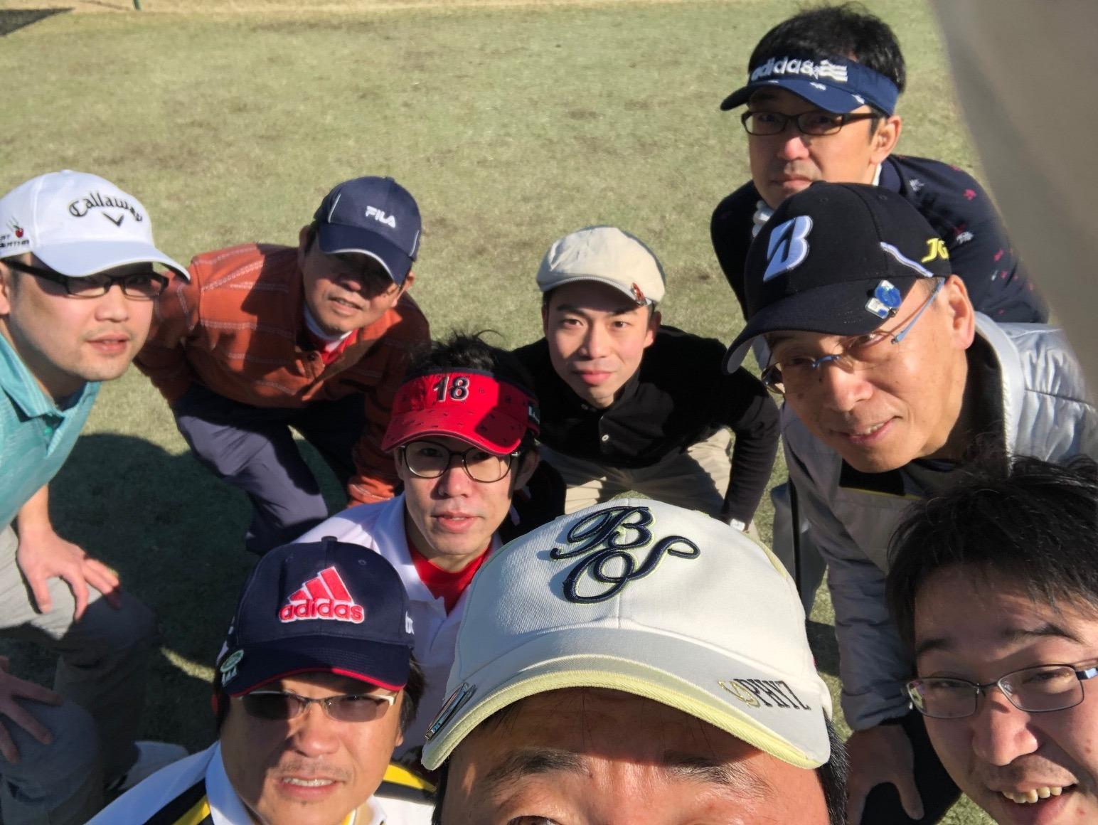始球式は田杭さん。日頃の練習の成果発揮?きれいなフォームでいよいよスタートです。。