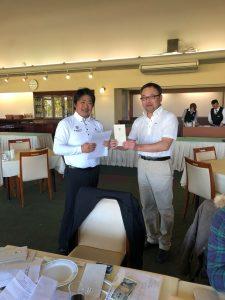 準優勝の松本さん(右)。着実に力をつけ、上位の常連になっています。