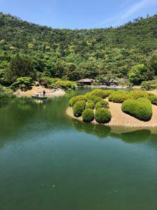 高松にある栗林公園。国の特別名勝に指定され、香川県が誇る有名スポット