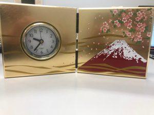 副賞として富士山と桜の置時計もいただきました。